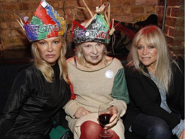 Vivienne Westwood con Pamela Anderson e Jo Wood al party londinese Switch!