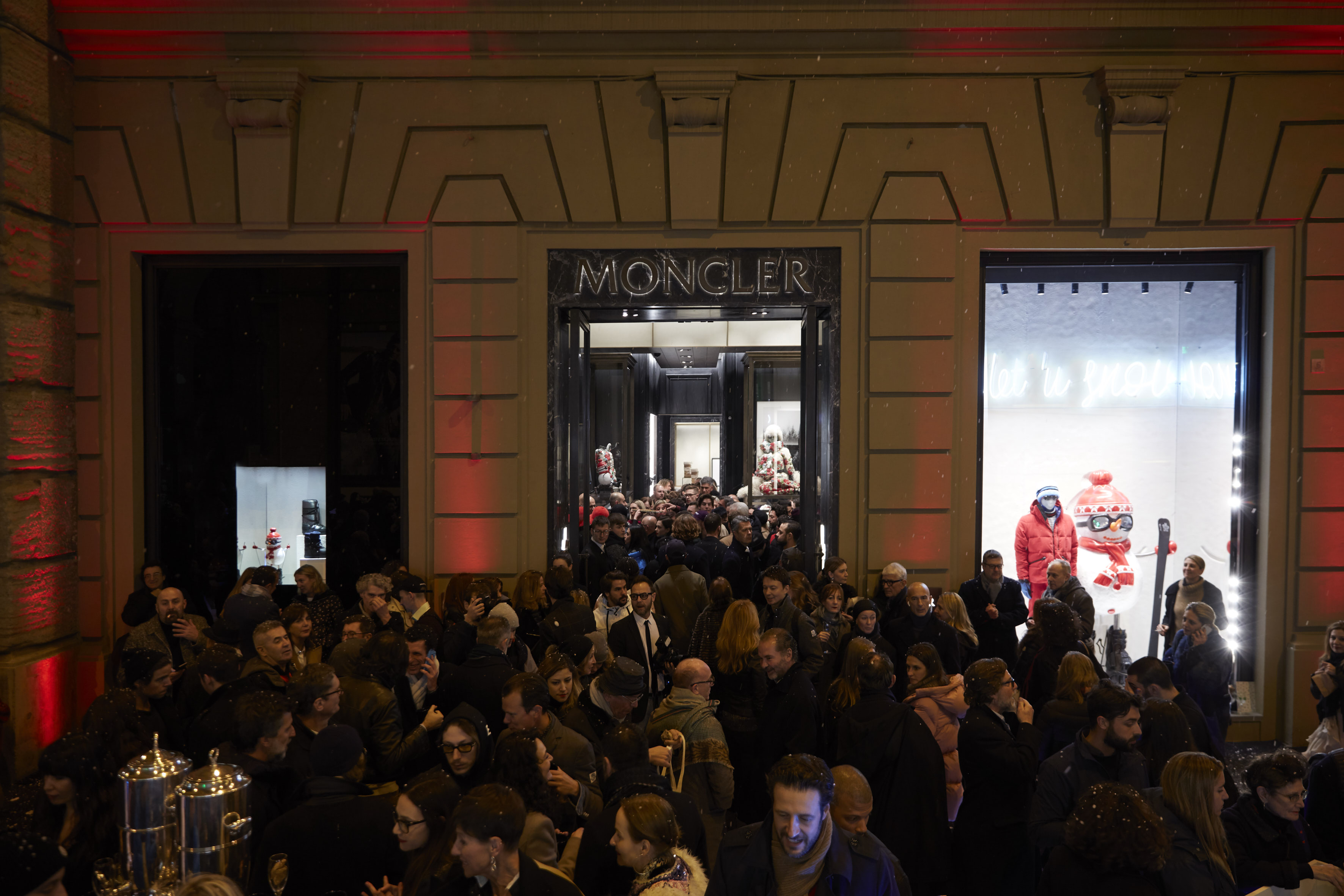 check out 8a289 905c8 MONCLER OPENING. A FIRENZE LA NUOVA BOUTIQUE